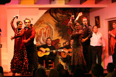 Flamenco in seville spain los gallos for Espectaculo flamenco seville sevilla
